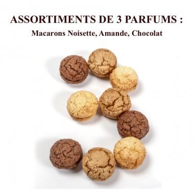 Macarons Noisette, Amande, Chocolat Coffret 18 pièces